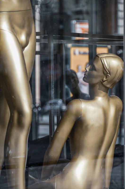 nikon, alexander zvir, vanity fair,dummy,fashion,showcase,nude,glass,reflection,nikon photography;fine art,street city. \
