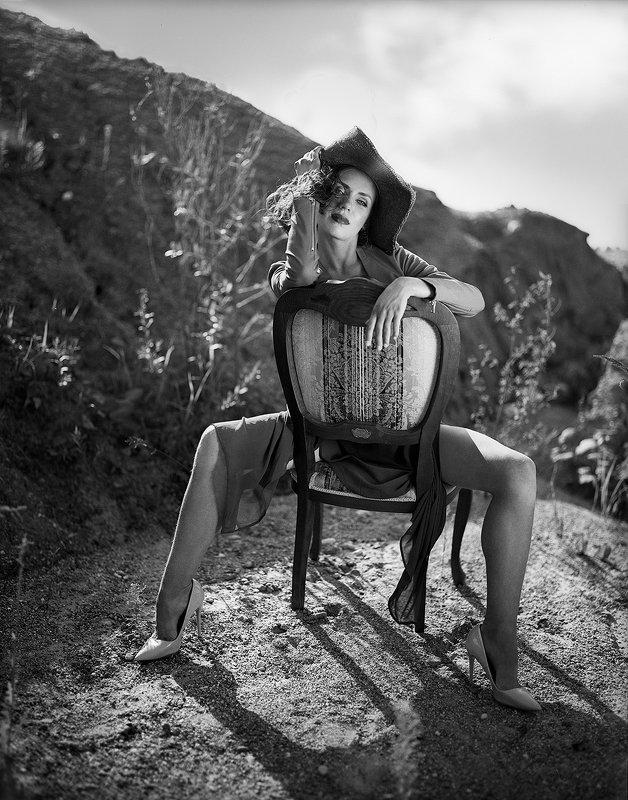 чёрно-белое, женский портрет, плёнка, на природе, летнее, романтика, в шляпе, ретро, аналоговая, 6х7 * * *photo preview