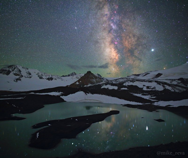 ночь эльбрус ночной пейзаж астрофотография звезды созвездия Открылась бездна, звезд полнаphoto preview