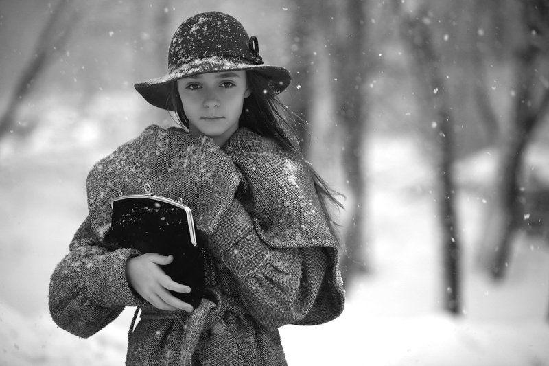 снег, непогода, девочка, шляпа сумочка * * *photo preview