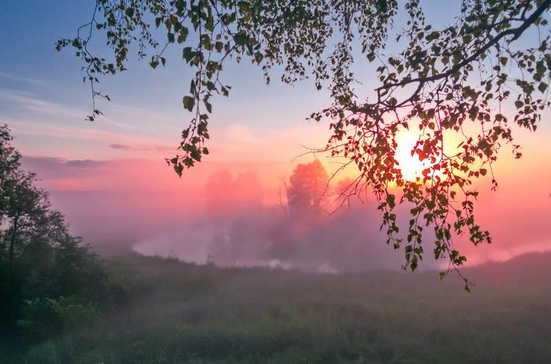 Ранним утром стелется туман...photo preview