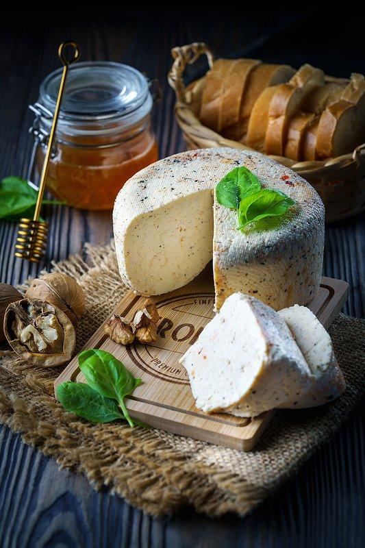 сыр, фудфотография, фудфото, фотография еды, еда, натюрморт Домашний сырphoto preview