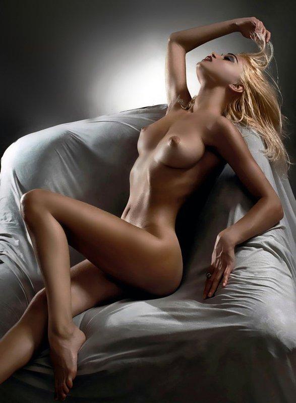erotic, girl, nude, боди-арт, девушка, модель, ню, обнаженная, эротика, photosession, nudeart Состригите-ка мне вот этот локон...photo preview