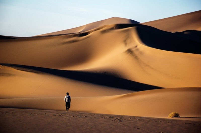 desert Alone in desertphoto preview