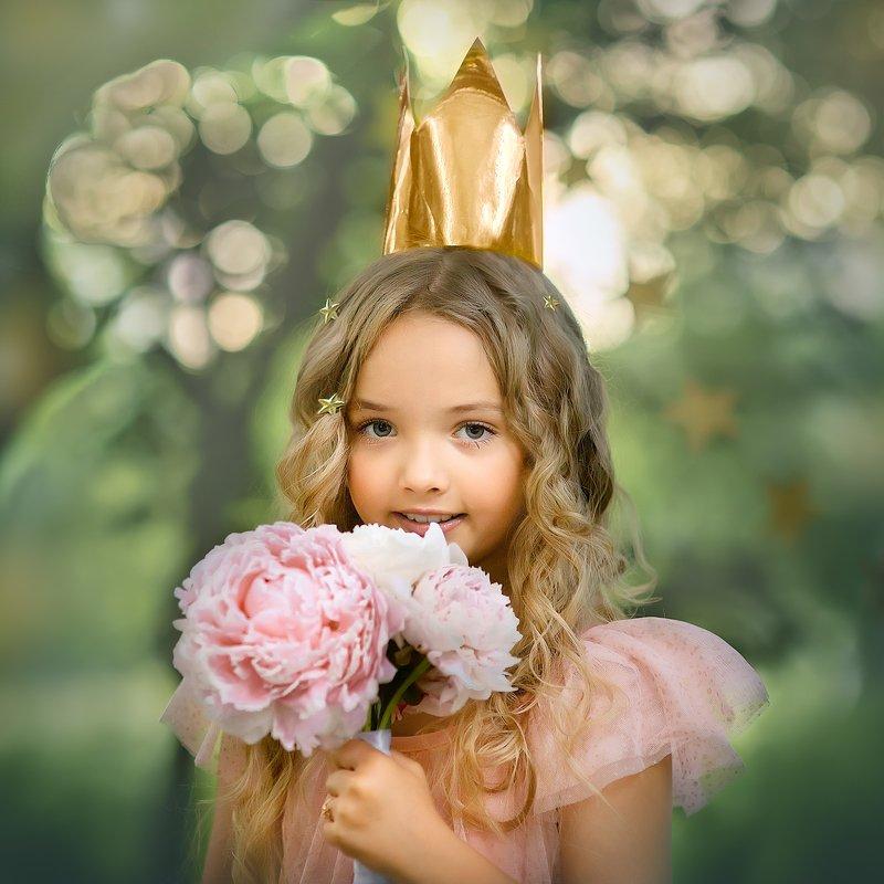 Волшебная королеваphoto preview