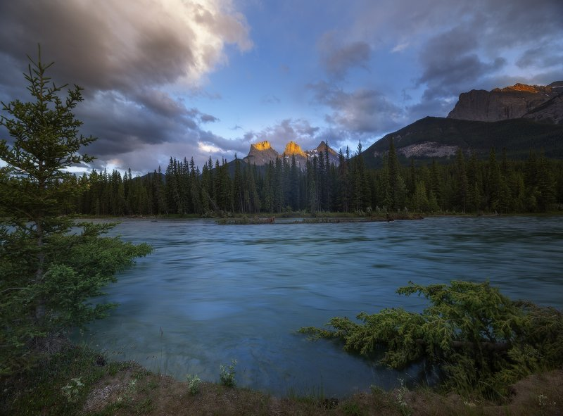 bow rockies river sky sunset light mountains ТЕЧЕНИЕ ВЕЧЕРАphoto preview