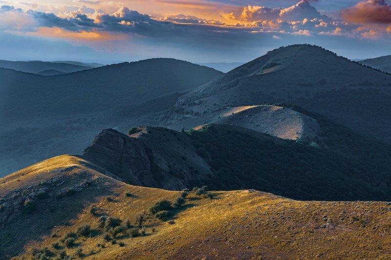 закат, крым, горы Путь к вершинеphoto preview