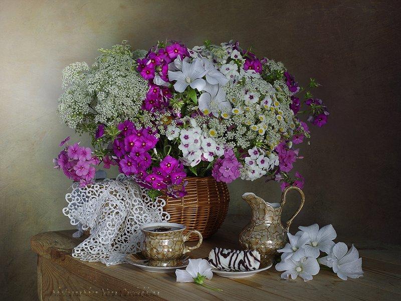 натюрморт,цветы,чашка кофе,вера павлухина, С чашечкой кофе...photo preview