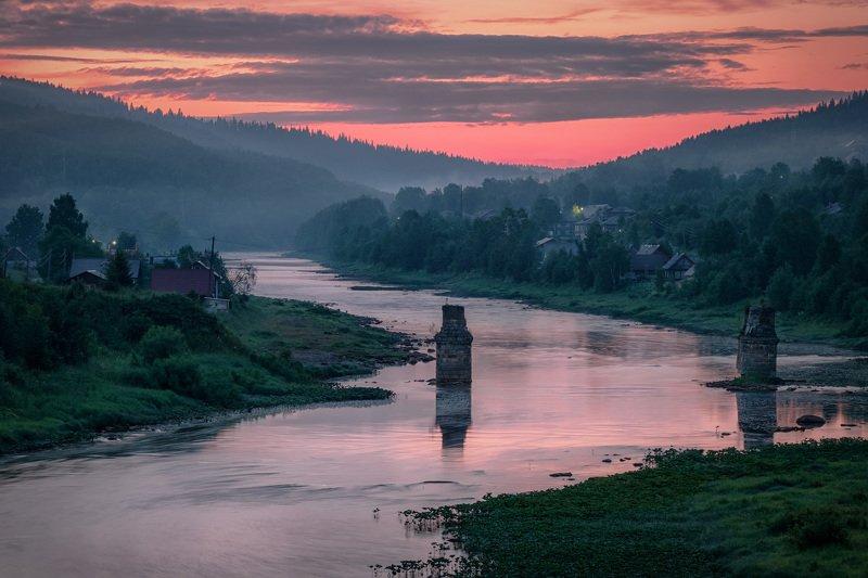 усьва, река, поселок, ночь, сумерки, туман, лето, облака, горы Белые ночи на Усьвеphoto preview