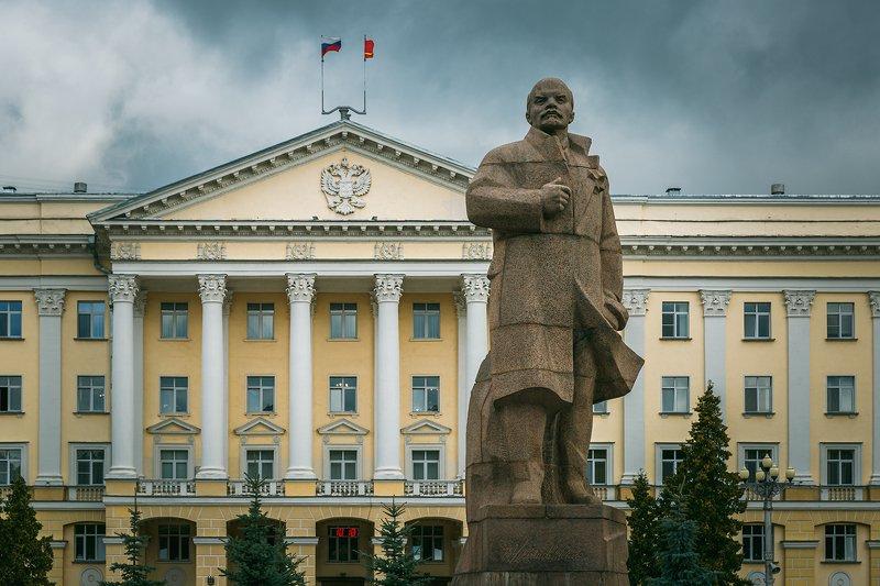 памятник, ленин, смоленск Памятник Ленину на главной площади Смоленскаphoto preview