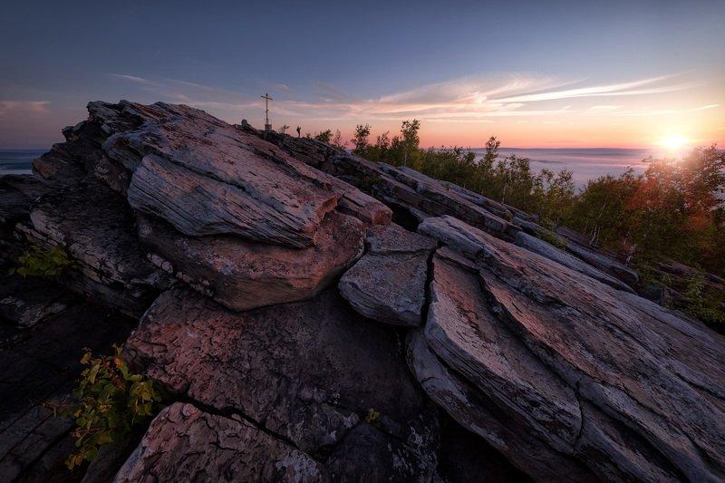 губаха, гора, крестовая, пермь, рассвет, утро, скалы, крест, солнце Рассвет на Крестовой фото превью