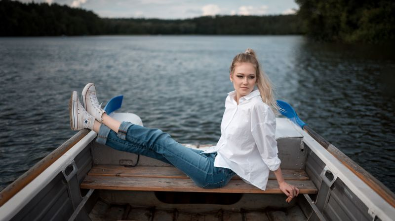 портрет, арт, portrait, model, People, One Person, Outdoors, Sitting, Leisure Activity, Day, Relaxation, Nature, Lake, Vacations, Casual Clothing, Water, Lifestyles, Nautical Vessel Ксенияphoto preview