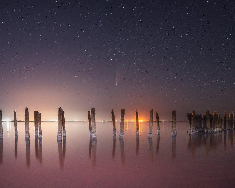 Над розовым озеромphoto preview
