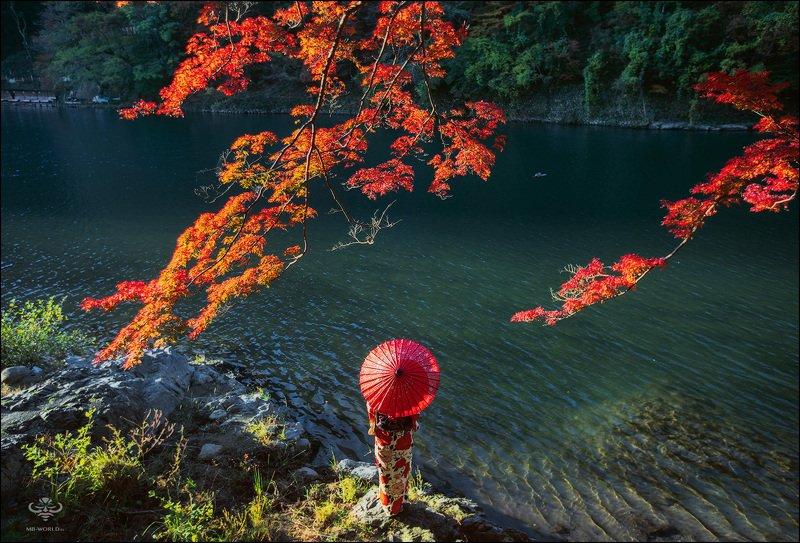 Япония, момидзи Момидзи — сезон красных листьев в Японииphoto preview