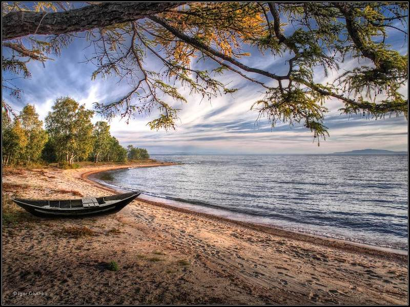 байкал, берег, лодка, осень Идиллия Байкалаphoto preview