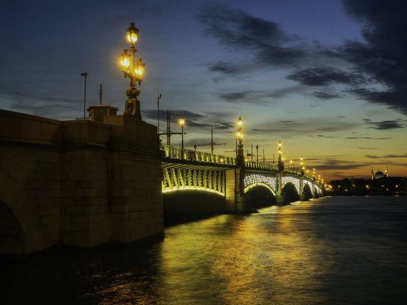 троицкий мост в санкт-петербурге на закатеphoto preview