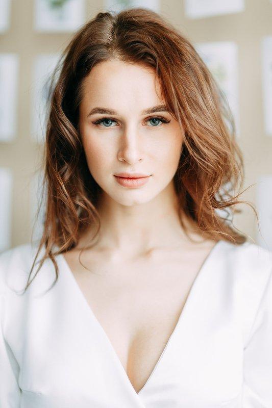 portrait, studio, model, russian girl, wedding Alinaphoto preview