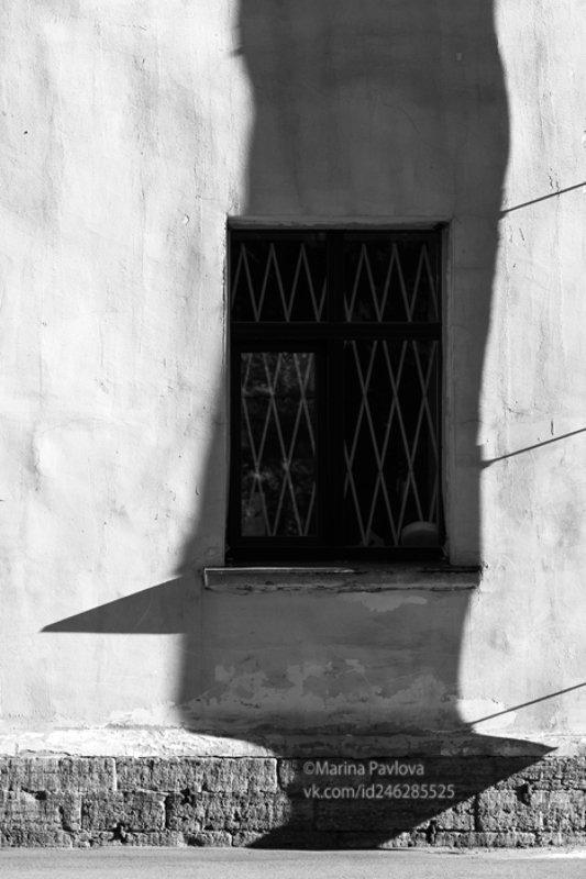 город, петербург, интеграция тени, театр теней, юмор, чбфото, парейдолия, тени, чёрно-белая фотография Интеграция Тени. Буратиноphoto preview