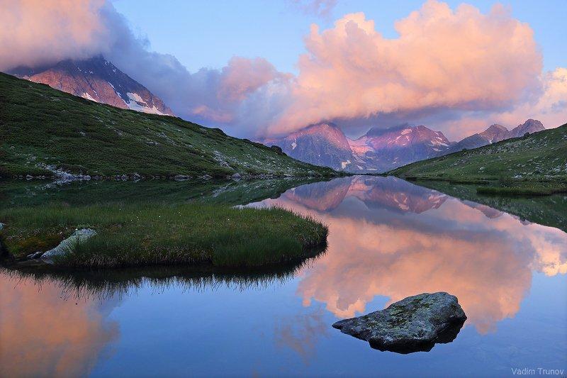кавказ, кчр, озеро кувшинки Утро на озере Кувшинкиphoto preview