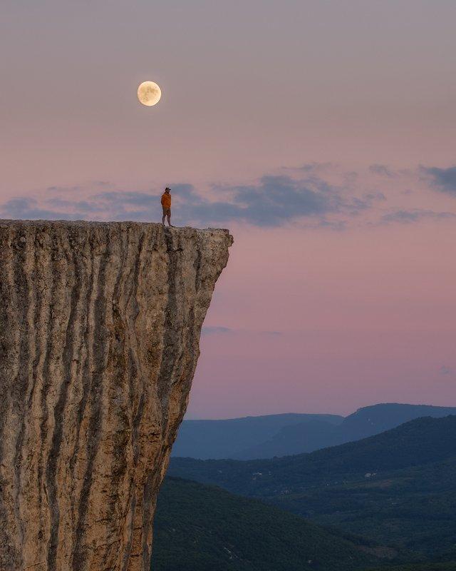 вечерний пейзаж, восход луны, качинская долина, пещерный город, бахчисарай, вечер, горы, закат, качи-кальон, крым, лето, луна Наедине с природой.photo preview
