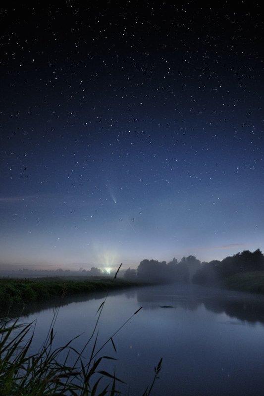 комета,ночь,ночной,пейзаж,neowise,лето,подмосковье,река,звёзды,астрофото, Ночной пейзаж на реке с кометой.photo preview