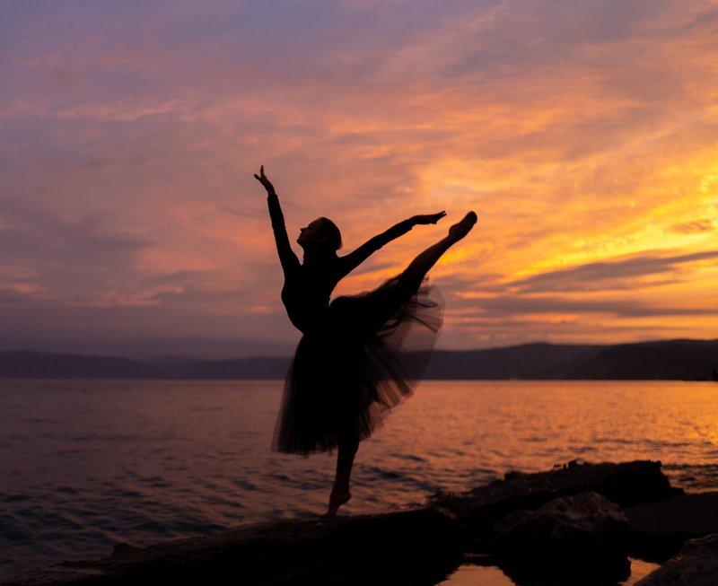 балерина байкал закат photo preview