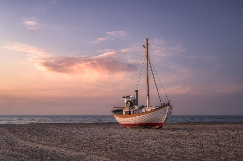 Beach, Beach Boat, Cloud, Coast, Denmark, Fishing, Fishing Boat, Fishing Camp, Jammerbugten, Jutland, morning, Morning Light, Sand, Scandinavia, Sea, seafront, Slettestrand, Water Jammerbugtenphoto preview