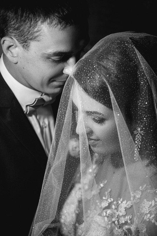 свадьба, свадебная фотосессия, жених, невеста, жених и невеста, свадебный букет, белое платье, счастье, любовь, кулебаки, wedding, bride, groom, wedding day, happy, love, portrait, портрет,  чб, чёрно-белое фото, bw, black and white, творческий портрет Игорь и Аннаphoto preview