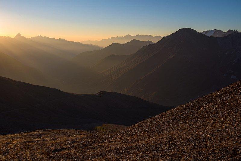 ущелье кыртык, кабардино-балкария Утро в горахphoto preview