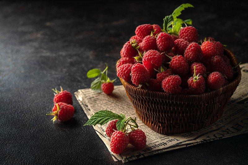малина, ягоды, еда, лето, предметная фотография, натюрморт, фудфото Малинаphoto preview