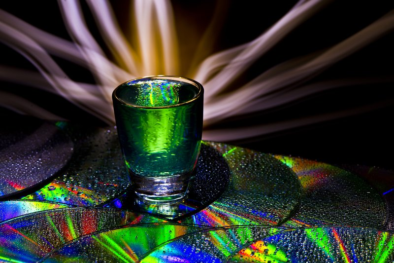 light-painting CD disc water drop light color  The new Graal?photo preview