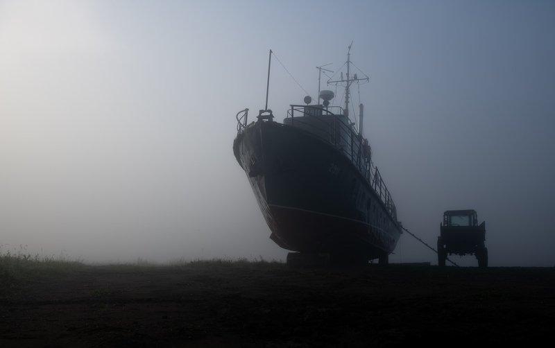 утро, енисей, туман, катер, трактор. Тайны одного тумана..photo preview