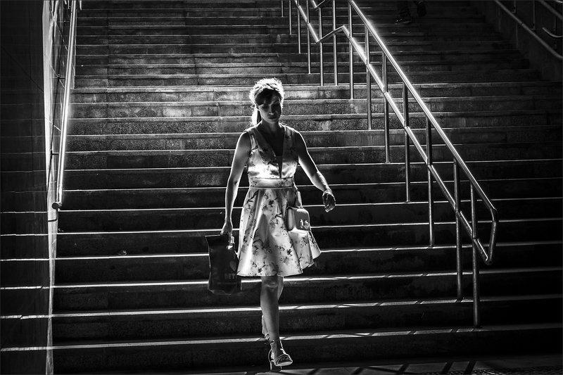 bw, bnw, street, portrait, 35mm, composition, чб, портрет, уличнаяфотография, композиция, xt3, fujifilm Underpassphoto preview
