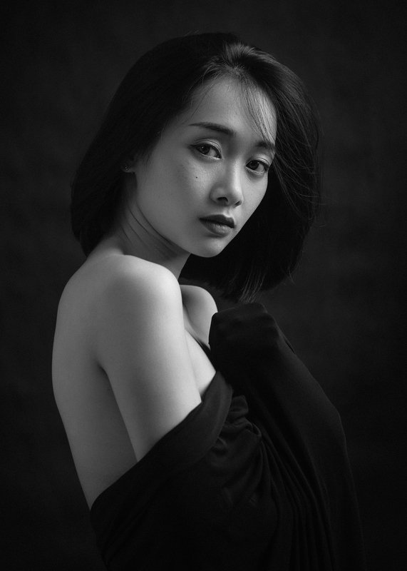 portrait, female, woman, girl, asian, vietnam, vietnamese, young, face, beauty, glamour, studio, eyes, black and white, bw, monochrome, mood * * *photo preview