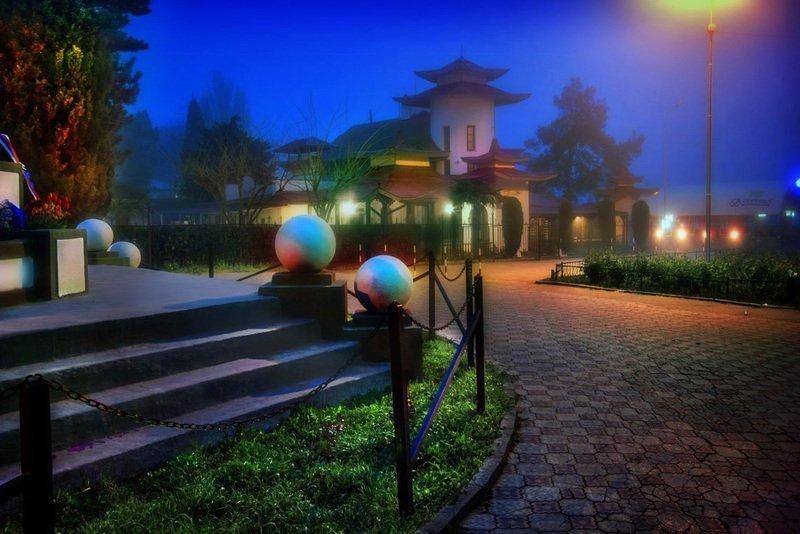крым, пейзаж, китайский-дворец, китай -город, алушта Туманная Китайская кухня на пляже Крымаphoto preview