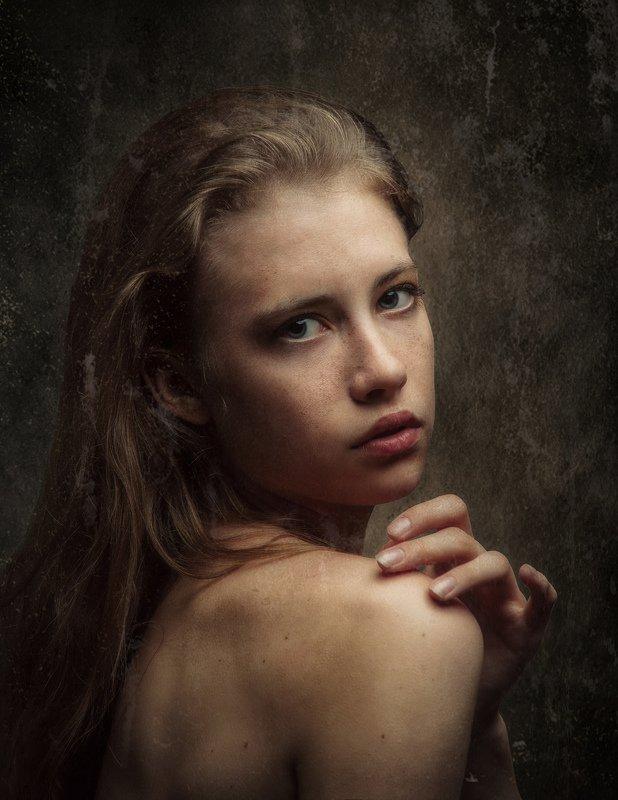 женский, портрет Далияphoto preview