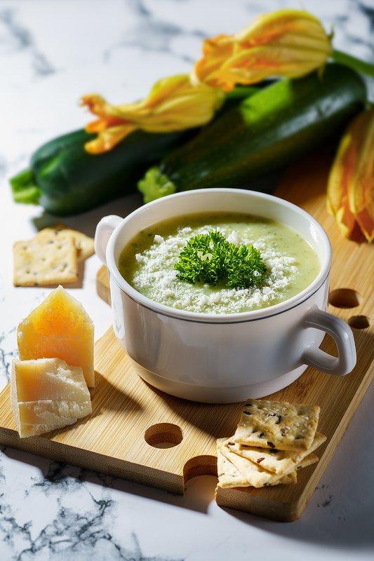 суп, фуд, фудфото, фудфотография, еда, предметное фото, жесткий свет, сыр Летний супчикphoto preview
