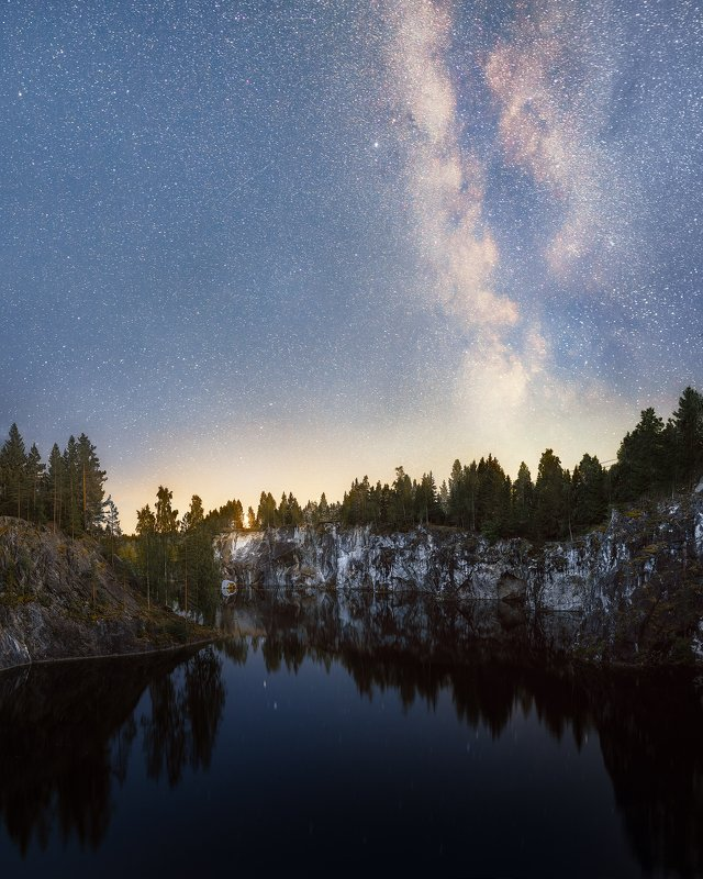 астофотография Ночное небо над мраморным карьеромphoto preview