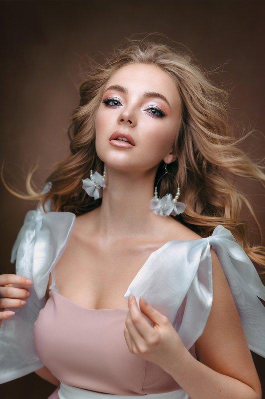 #womanportrait #models #girl #beauty #retauch #portrait #captureone Nastyaphoto preview