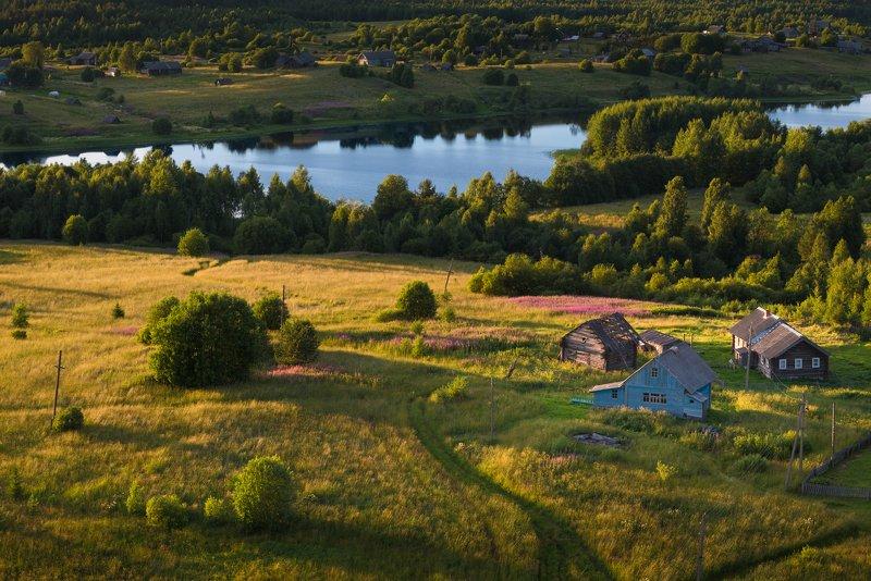 У озера Ладвинскоеphoto preview
