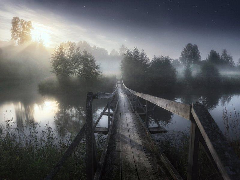 ночь, туман, мост, луна Беспокойная полночь в деревне.photo preview