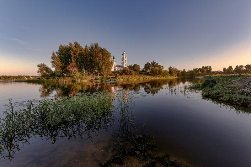 река, шиголость, деево городище, лодеп, церкоаь,камыш До свидания, лето!photo preview