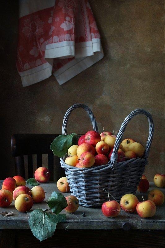натюрморт, яблочки, август Яблочкиphoto preview