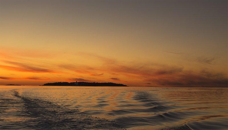 Оранжевый закат Белого моря.photo preview