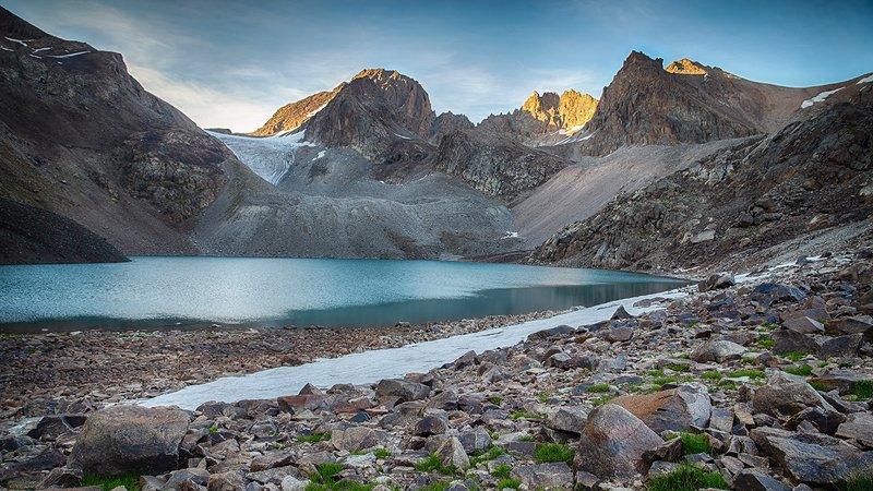 кыргызстан, горы Отблеск дняphoto preview