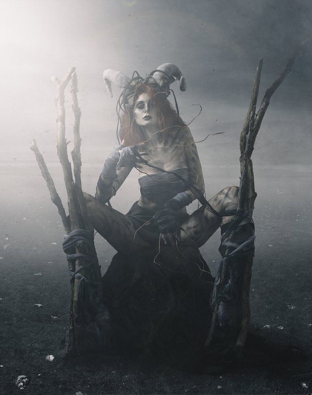 Queen of the Dark Forestphoto preview