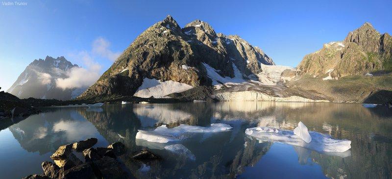 аманауз, кавказ, ледник Утро в горахphoto preview