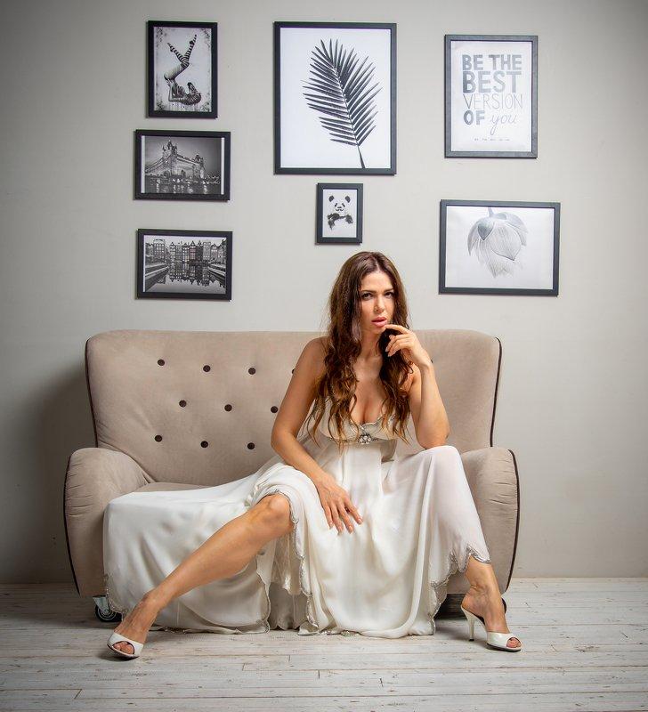 женский портрет,студийный портрет Надеждаphoto preview