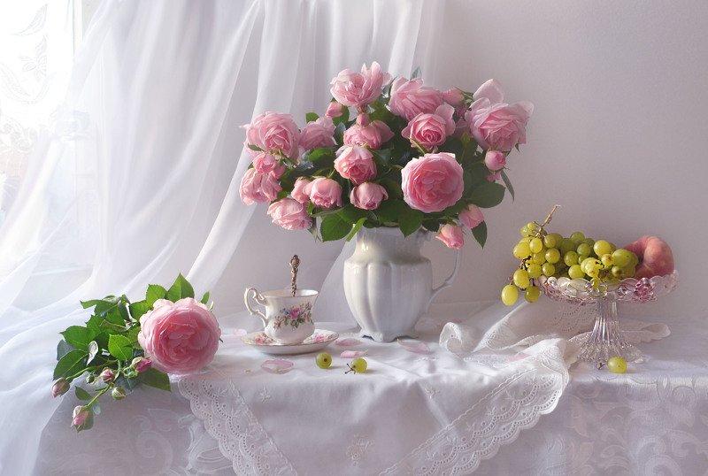 still life,цветы, фото натюрморт, розы, натюрморт, настроение,август, виноград, фарфор Прекрасной розы лепестки...photo preview