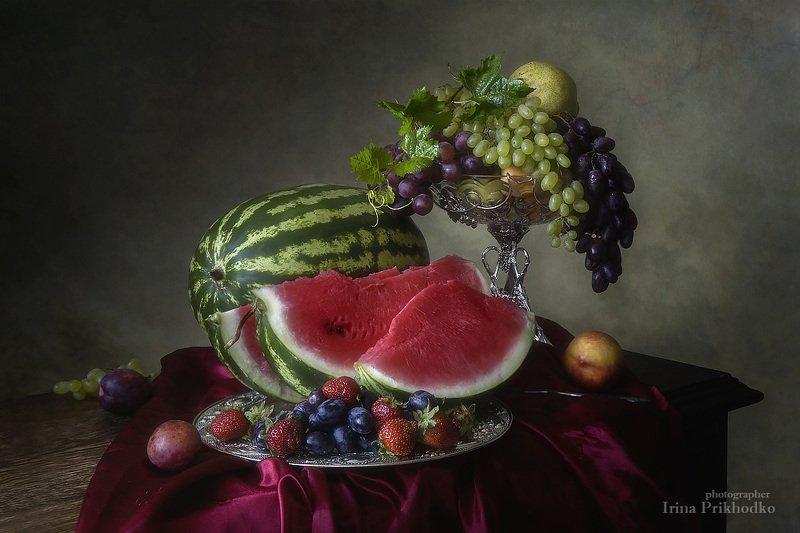 натюрморт, лето, фрукты, арбуз, художественное фото, винтажный Натюрморт с арбузом и фруктамиphoto preview